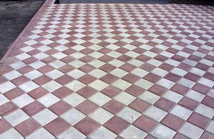 Квадратная тротуарная плитка выбор