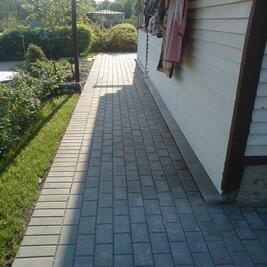 Отмостка из тротуарной плитки — защита фундамента дома
